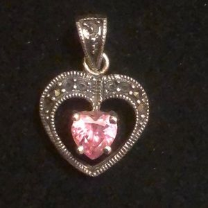 Sterling heart pendant with 💓 shaped stone